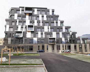 Inedy Chambery façade Bluetek Composite