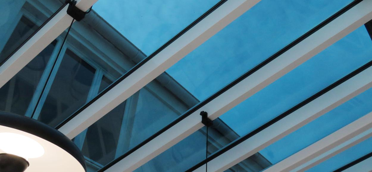 Référence Adexsi Bérangerie 93 Pantin, verrière SageGlass, exutoires de désenfumage Pearl Inside et exutoires de façade Luxlame
