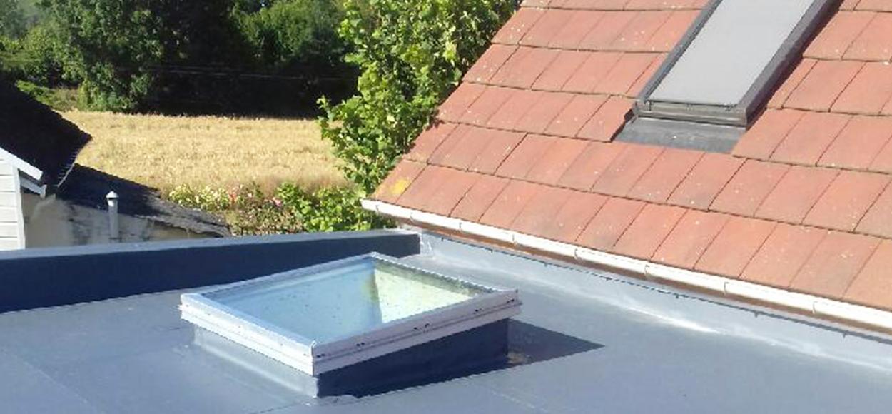 Slick Inside : le lanterneau verre pour toiture plate