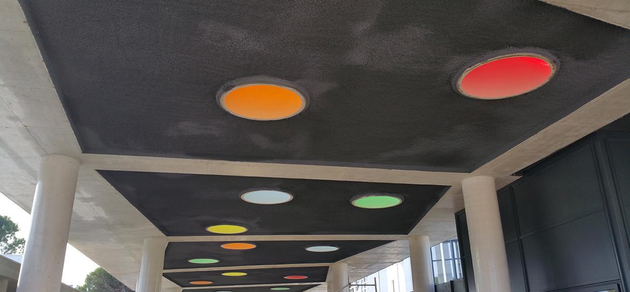 Référence Adexsi Bluetek Essertec collège Anselme dômes colorés