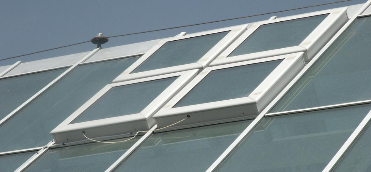 Xanadu Espagne : glass roof & natural light, smoke ventilation - Souchier